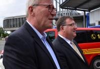 Übergabe Bewilligungsbescheid für Drehleiter durch Staatssekretär Mark Weinmeister_24